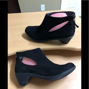 Dansko Ankle Boots Black cut outs sz 39